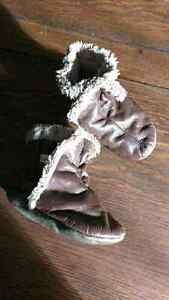 18-24 month ROBEEZ genuine leather booties