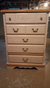 Girl's Kathy Ireland bedroom furniture