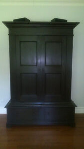 Armoire buy or sell dressers wardrobes in gatineau kijiji classifieds - Grande armoire penderie ...