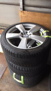 Set of 4 - Mercedes Rims with tires - 245/40/R18
