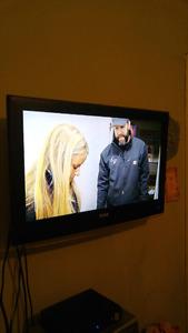 FLAT SCREEN TV $150.00