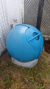 Écolo sphère!  bac de composte vraiment chouette! :D