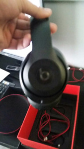BEATS BY DRE STUDIOS WIRELESS MATTE BLACK