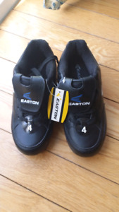 NEW PAIR Easton youth soccer shoes - SZ 4