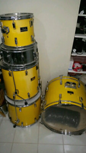 Pearl export drums with all stands, cymbals, mics