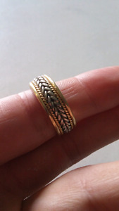 14k . yellow/white gold . size 10 mens ring