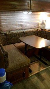 WRAP AROUND DINETTE FOR MOTORHOME.