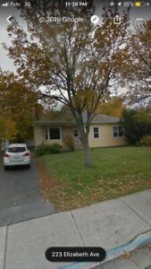 Room for rent on Elizabeth Avenue - $450 (Everything included)