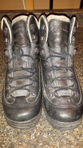 Mens New Size 12 Columbia Boots