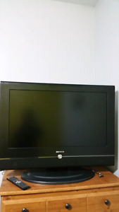 "32"" Dmtech tv with built in dvd player"