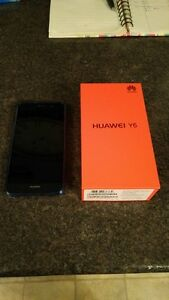 (ROGERS/FIDO) 8GB HUAWEI Y6 INCLUDES CHARGER + BOX + CASE