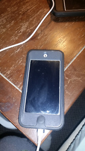 Ipod 5th generation 16gb with otterbox