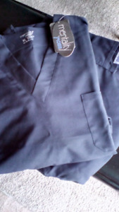 Scrubs ( Brand new with tags ) 2XL