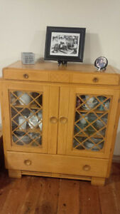 Solid Maple 1940 Hutch Display Cabinet Antique China Kitchener / Waterloo Kitchener Area image 2