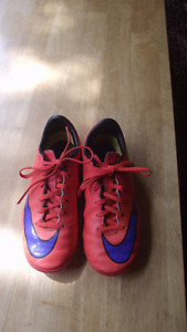 Nike running shoes size 3.5 youth