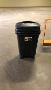 Garabage can