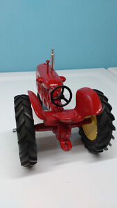 Cockshutt 30 toy tractor Windsor Region Ontario image 3