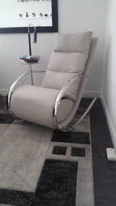 MODERN LOUNGER / ROCKING CHAIR / RECLINER WITH BUILTIN FOOTREST