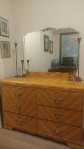 Art Deco Bedroom Set...
