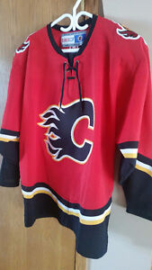 LIKE NEW, RARE RETRO ADULT FLAMES JERSEY - SIZE XL