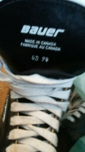 skate for kid size 4 Bauer