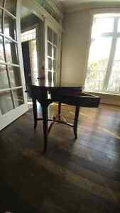 Round End Table or Accent Table Windsor Region Ontario image 4