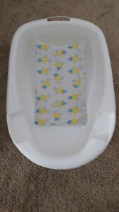 Infant Tub w/ cradle