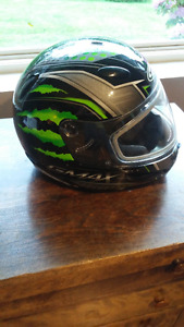 YOUTH HELMET SIZE LARGE
