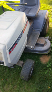 White 18 horse lawn tractor