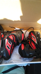 FIREFLY SIZE 4 YOUTH ROLLERBLADES
