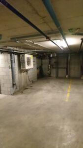 Stationnement intérieur - Indoor Parking - Montréal - Villeray
