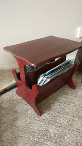 End table / magazine holder