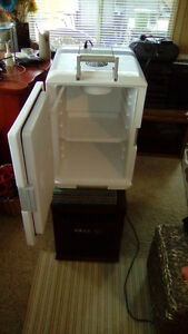 Igloo cooler, warmer