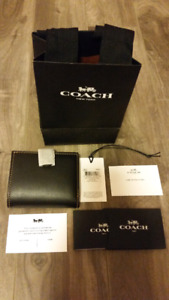 BNWT Coach small trifold wallet