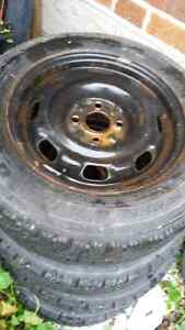 14 inch rims with winter tires Kitchener / Waterloo Kitchener Area image 2