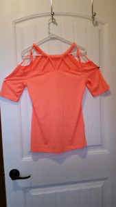 Fabletics T and Sports bra