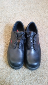 Size 14 Redwing steel toed shoes