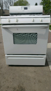 **Used Maytag Performance self-cleaning Gas Stove**