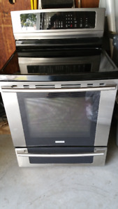Kijiji Ad - Electrolux Induction Range Stove-Excellent (1.5yrs)