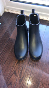 Hunter boot for sale