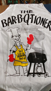 NEW NEVER USED BARBECUE APRON ONE-SIZE-FITS-ALL...
