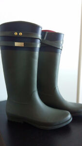 brand new Tommy Hilfiger boot never worn