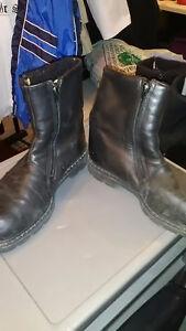 Boys 3 & Men's Boots 6 & 7 Kingston Kingston Area image 4