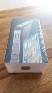 IPHONE 4 - 8 GB - BRAND NEW - FACTORY UNLOCKED & SEALED IPHONE