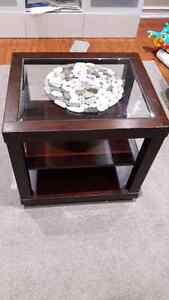 Side table  Kitchener / Waterloo Kitchener Area image 1