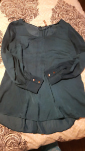 Thyme Maternity lot size small