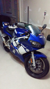 2002 Yamaha r6 (quick sale)