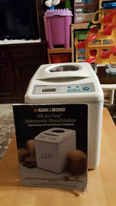 ALL in One Automatic Black and Decker Breadmaker