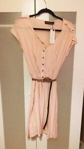 Robe rose polka.dot avec ceinture Medium