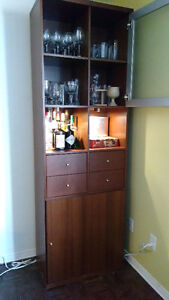 Armoire avec lumières/storage display cabinet with lights